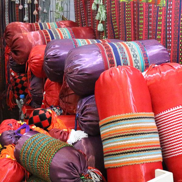 بالش سنتی رنگی