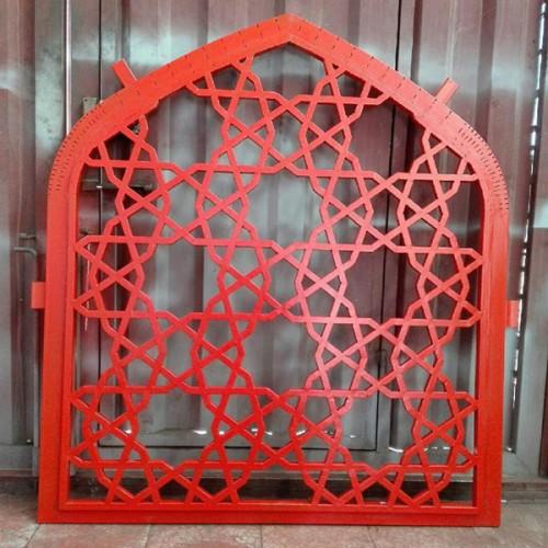 پنجره ارسی فلزی