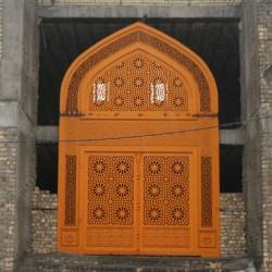 درب و پنجره مسجدی
