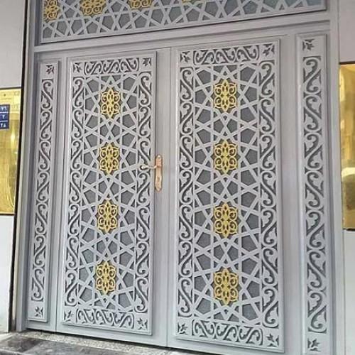 درب فلزی سنتی ورودی ساختمان