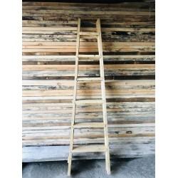 نردبان دو طرفه چوبی